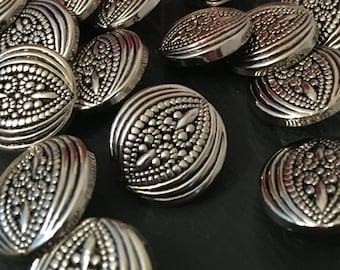 silver buttons, metallic buttons, 22mm round buttons, pack of 10, metalised plastic, ornate buttons, fancy buttons, vintage buttons, crafts