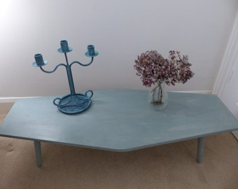 Vintage Coffee Table//Side Table// Home Sweet Home// Furniture// The Little House of Vintage