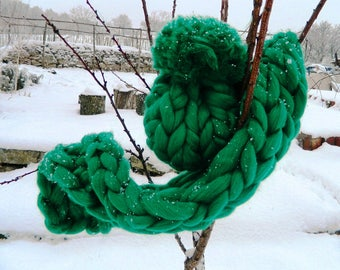 Chunky Green Hat Winter Hat Pom Pom Women Oversize Hat Thick Wool Beanie Giant PomPom Hat Gift fot WomenGift for Her Valentine's Day Gift.