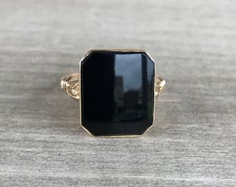 SUPER SALE!!  Onyx vintage ring in yellow gold