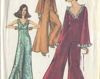 1969 Vintage Sewing Pattern B36 JUMPSUIT, PANTDRESS (R675)