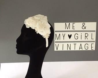 Flower hairband with lace detail /Wedding  headpiece / Flower headpiece/ Flower band / wedding flower crown / wedding hairband