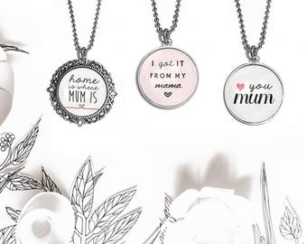 Customizable necklace with pendant cabochon style chart