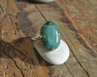 Emerald Ring. May Birthstone Ring. Natural Emerald & Sterling silver 925. Silver ring with natural Emerald stone.