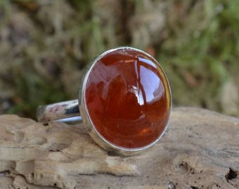 Red Garnet Ring. Red Stone Ring. Garnet Spessartite Gemstone and Sterling silver 925. Silver ring with Garnet Cabochon. Present for her.