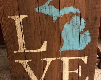 Michigan State Love sign