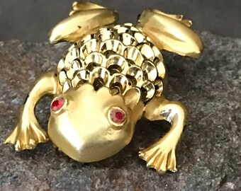"Signed ""JJ"" gold plated frog"