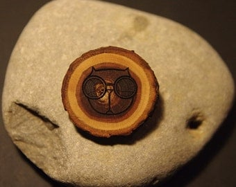Wooden brooch - cat