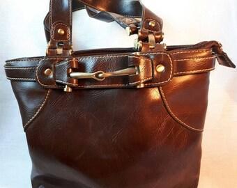 Very nice and elegant handbag