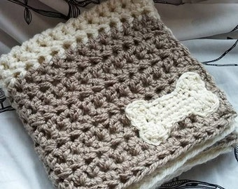 Two-Tone Doggy Blanket // Pet Blanket // Crochet // Pet Bedding // Pet Throw // Dog Blanket // White & Tan Dog Blanket // Dog Bedding