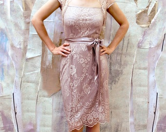 1940s screen goddess vintage style lace dress in platinum and blush.