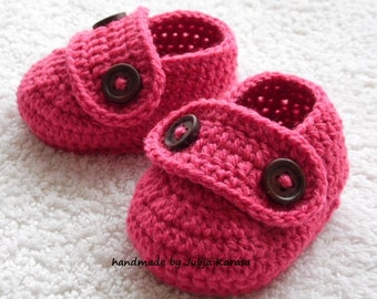Crochet baby shoes, handmade boots for little baby girl, baby slippers handmade, baby shower gift, crochet baby loafers