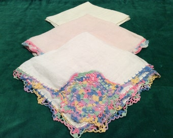 3 vintage linen handkerchiefs, 2 with beautiful knitting, in great vintage condition, hankie