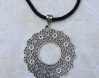 Perforated rosette necklace.