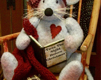 """Matilda Mouse a 14"""" Christmas Mouse Pattern"""