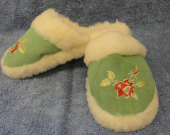 Womens Natural Sheep's Wool Slippers - Non Slip Sole