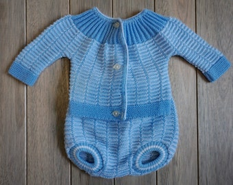 1970s French Infant Sweater Set - Size NB