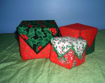 Set of 3 fabric gifts boxes - Christmas - green, red, white