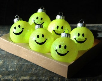 Smiley face laughter yoga glass ball ornament set. Ho Ho Ha Ha Ha. Perfect gift for laughter yoga lovers. Gifts under 20.