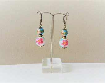 Dangling earrings with pearls color bronze/white porcelain/light blue