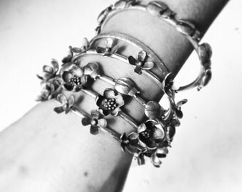 Flower & bug stackable bangles - Set of 3