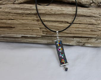 Necklace of woven beads