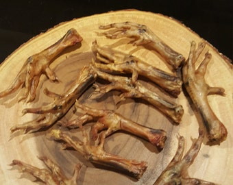 Smoked dehydrated chicken feet for dog treats