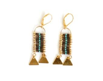 Golden curls, woven loops, Aztecs loops, ethnic loops, weaving graphic, graphic loops, weaving of pearls, gem woman