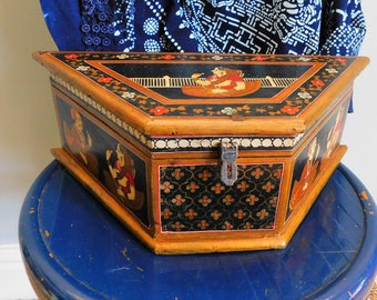 Stunning Vintage Indian Wedding Box Wooden handpainted Box Trinket Box Figurines Keepsake box