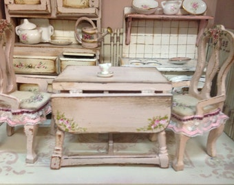 Table kitchen pink. Hand painted furnitures