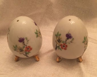 Porcelain Egg Shaped Salt and Pepper Shakers by Enesco with Gold Feet