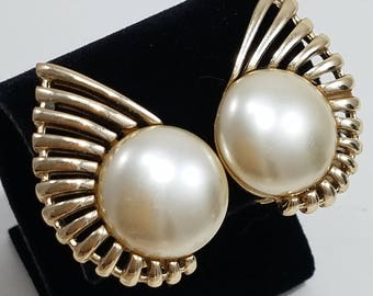 Gorgeous Sarah Coventry Clip Earrings with Faux Mabe Pearl and Decorative Gold Tone Metal