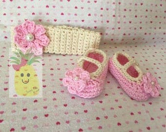 Crochet Mary Jane Baby Shoes