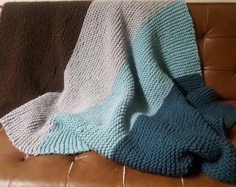 Gradient hand-knit blanket