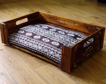 "Pet bed of natural wood, designer's work, model ""Wild Wild Dog"" (any size to order). Discount sale!!!"