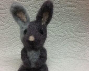 Needlefelt Bunny Grey