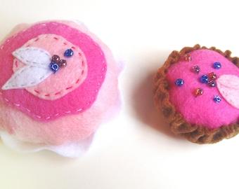 Pretend play food felt cake / Pink pretend food cakes // Set of 2