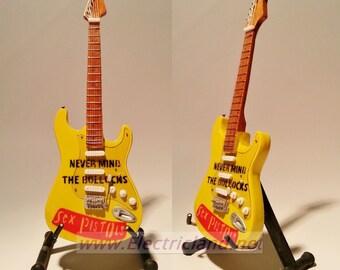 Mini Guitar SEX PISTOLS tribute stratocaster John Lydon memorabilia chitarra