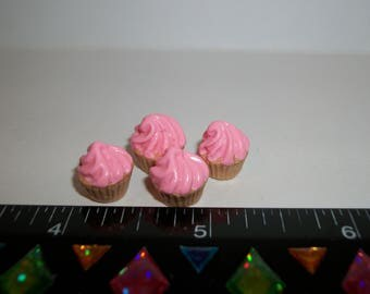 1:6 Play scale Dollhouse Miniature Handcrafted 4 Strawberry Cupcakes Dessert Doll House Food 942
