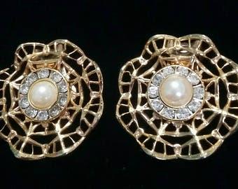 Lattice pearl and rhinestone flower clip on earrings