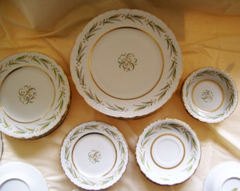 Royal Jackson Featherweight China, Autumm Collection ( Scalloped Edged ) 6 piece