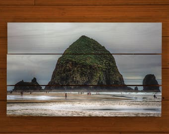Haystack Rock, Oregon - Customized Pallet Picture
