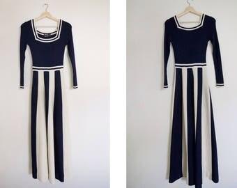 Vintage 1970's Crissa Linea Italiana Striped Navy and Cream Flared A Line Knit Dress / Long Sleeve 70's Italian Dress