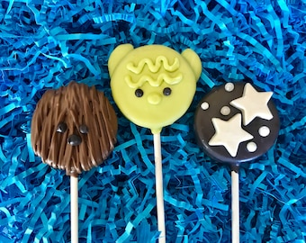 Star Wars Oreo cookie pops / birthday party favor / chocolate covered Oreo / one dozen (12)