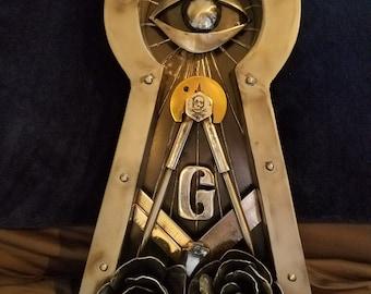 Key hole masonic metal art