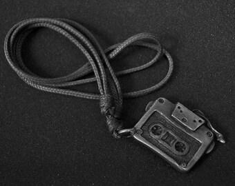 Cassette pendant