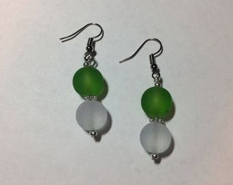 "Earrings ""in green and white customising"""