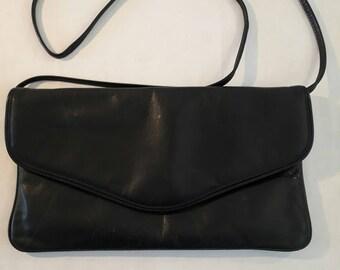 Handbag Vintage Flap Bag Genuine Leather Dark Blue Sac a main Cuir Veritable Bleu Marine.