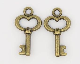 10 Pcs - 15.5x9mm Tiny Antique Bronze Skeleton Key Charms - Tiny Charms - Key Charms - Bronze Key Charm - Jewelry Supplies