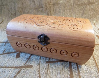 AWESOME Wooden handmade jewelery box carved from wood #d102